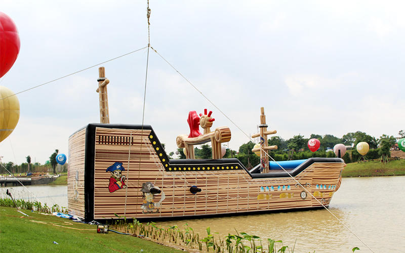 Indonesia Meikarta project inflatable water park