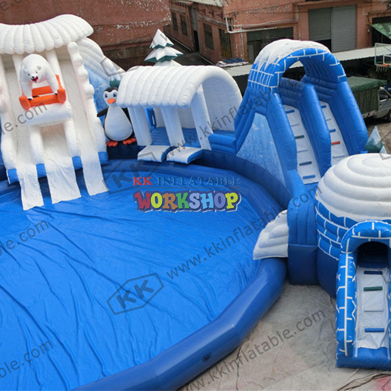 Ice and snow theme water park