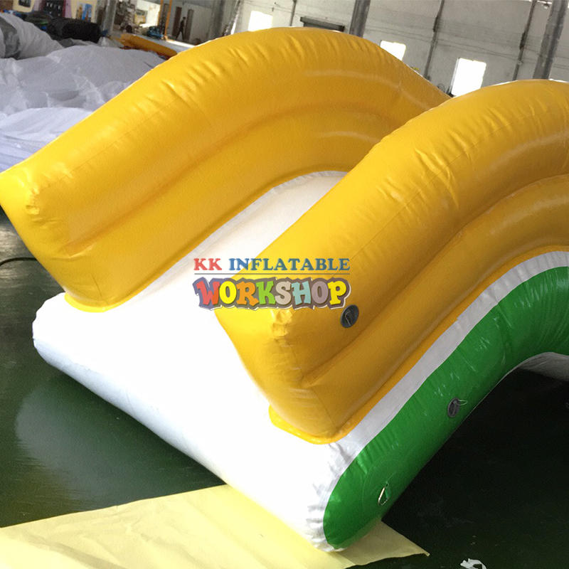 Water Play Equipment Giants Lake Boat Yacht Slide Waterslides Inflatable Boat Dock Pool Yacht Water Slide
