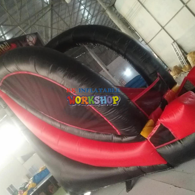 Inflatable throwing ballt ype