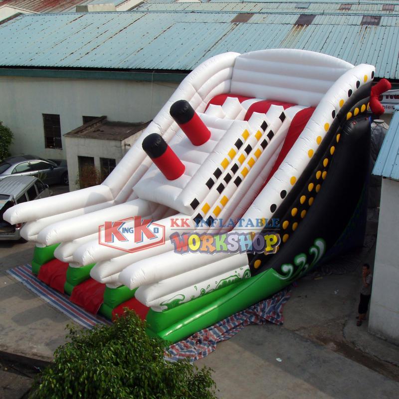 Giant Inflatable Titanic Boat Slide
