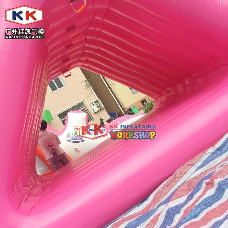 Pink Floating Inflatable Wake Island Giant Floating Inflatable Triangle Water Slide